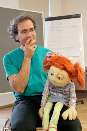 Handpuppenspiel mit Olaf Möller im TuT Schule für Tanz, Clown und Theater in Hannover